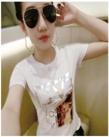 MOKO2018春季新品复古刺绣短袖直筒丝绒圆领T恤MA181TEE218 摩桉珂