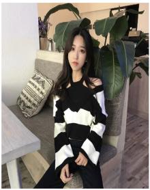 2018春装新款韩版假两件套V领毛衣女甜美套头喇叭袖打底上衣