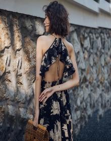 2018新款复古大摆连衣裙仙露背吊带沙滩裙度假风长裙泰国马尔代夫