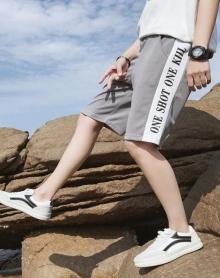 2018夏季运动短裤男宽松五分裤沙滩裤学生出游夏季凉爽短袖中裤运动男裤