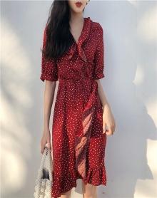 少女心仙女裙夏装2018新款收腰港味复古气质一片式冷淡风连衣裙女