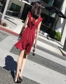 2018新款女装春装潮韩版V领沙滩裙海边度假泰国巴厘岛显瘦连衣裙